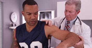 Minnesota Doctor Referrals for Shoulder Injuries