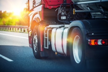 truck tire blowout accident referral service in Twin Cities