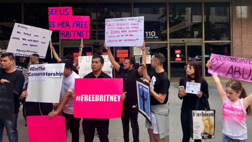 #FreeBritney Signs