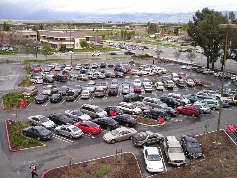 Michigan parking lot car accidents