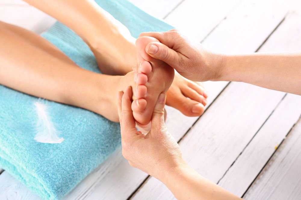 When your toes become stiff and bent, you have symptoms of Hammertoe.