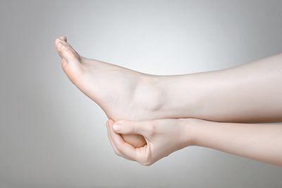Holding heel