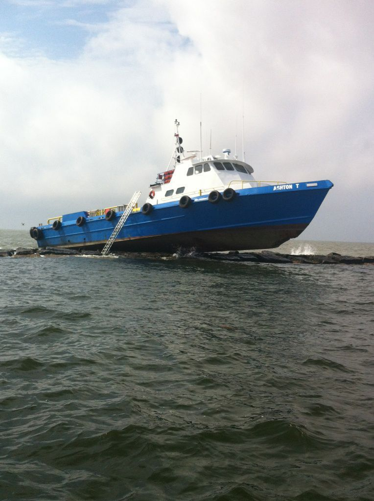 M/V Ashton T Runs Into Jetties