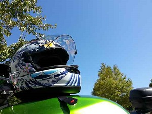 Choosing a motorcycle helmet