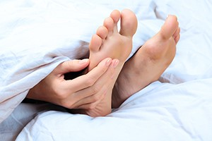 Treating diabetic feet