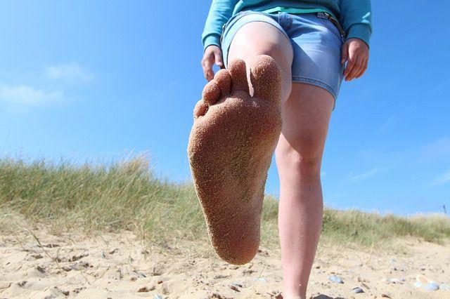 How to Prevent Sunburn on Feet