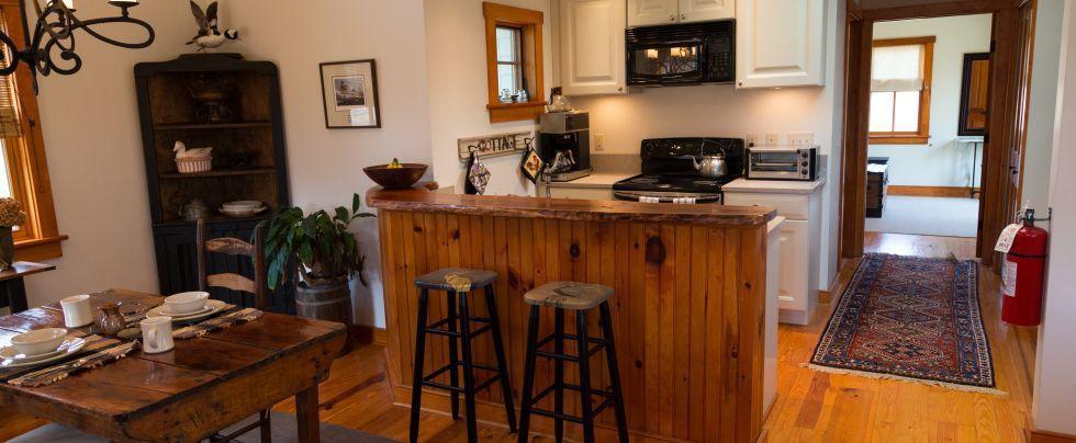 Stone's Throw Cottage   Chestertown Rental