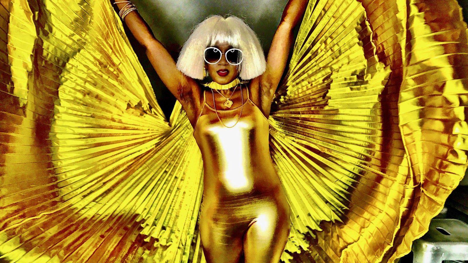 Dionne Farris Gold
