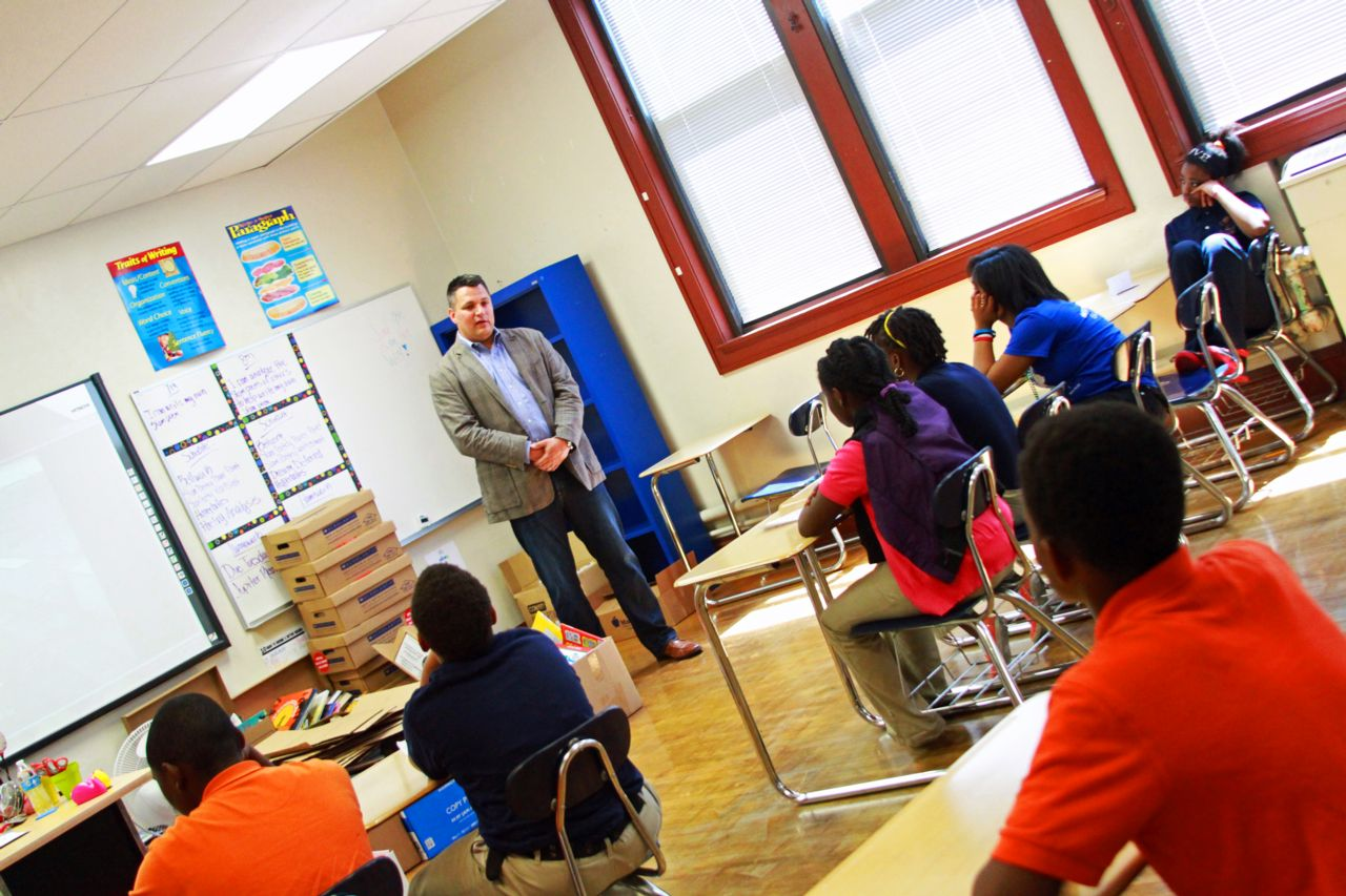 Attorney Chad Kreblin speaking to Milwaukee middle school students