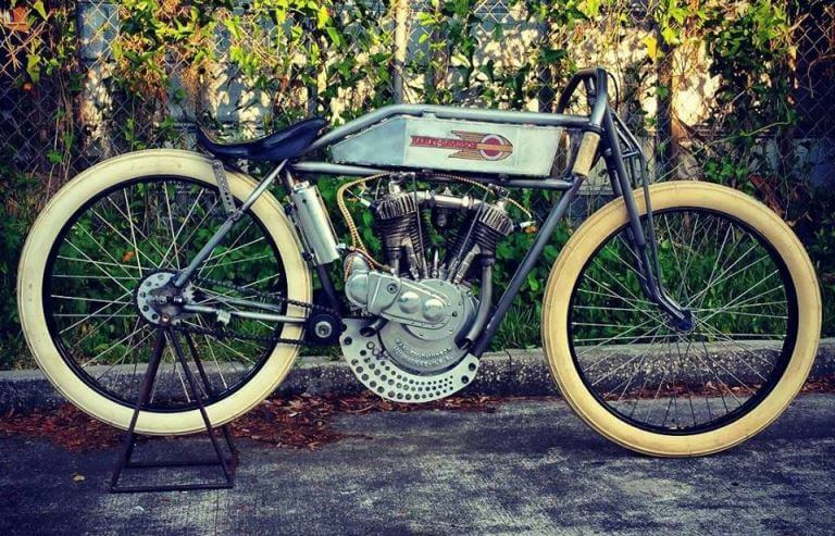 Shelly Rossmeyer-Pepe's 1915 Harley