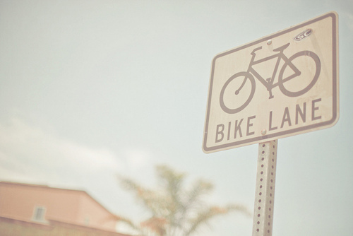 bike lane road sign