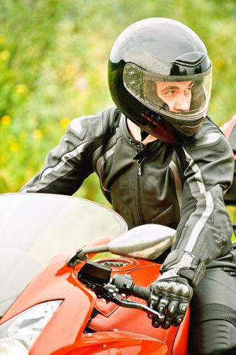 Keep safe during a possible Green Bay motorcycle wreck by wearing the proper protective clothing.