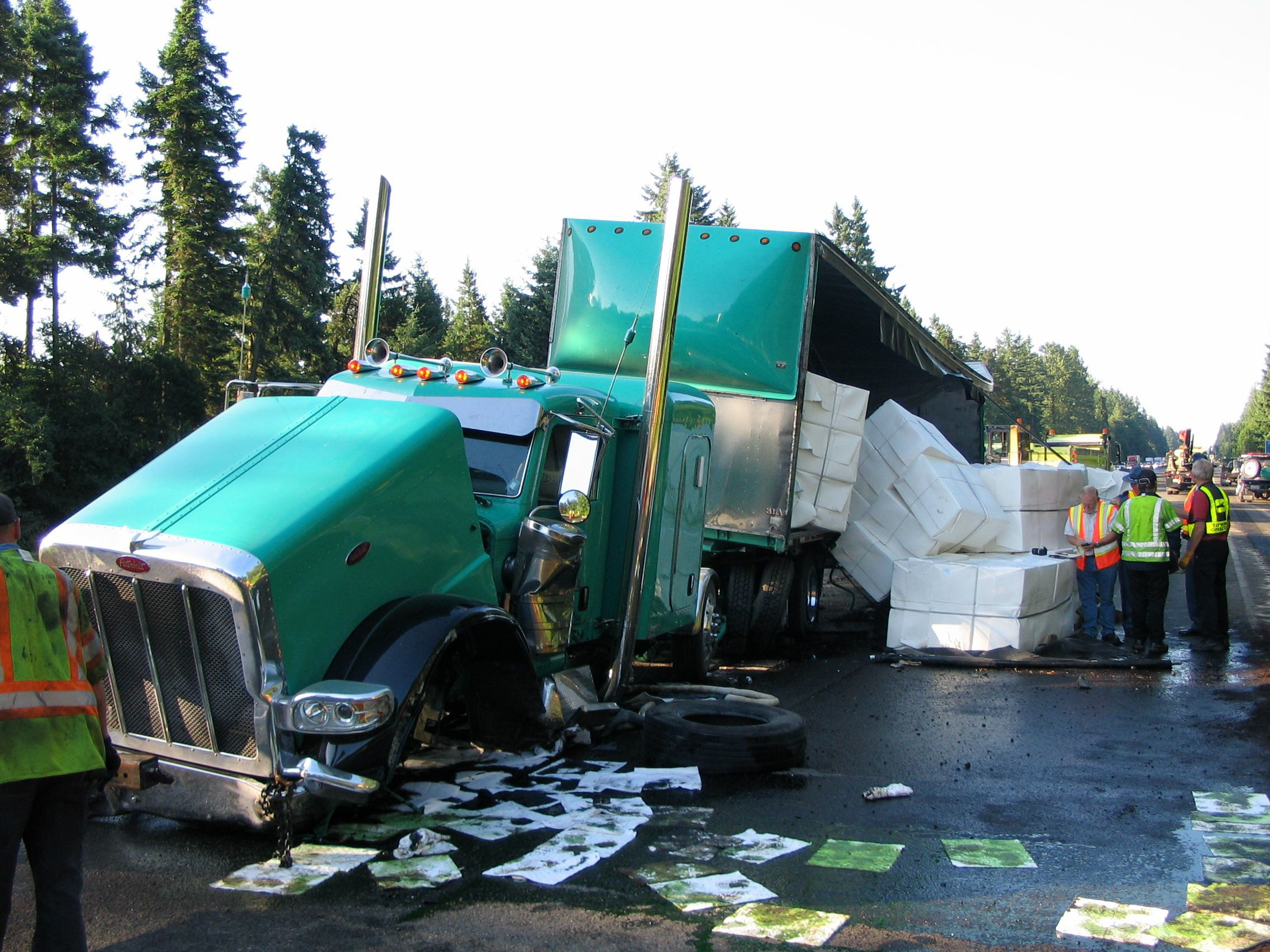 i-5 trucking accident