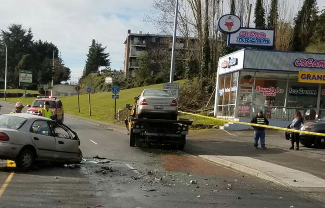 burien tow truck crash