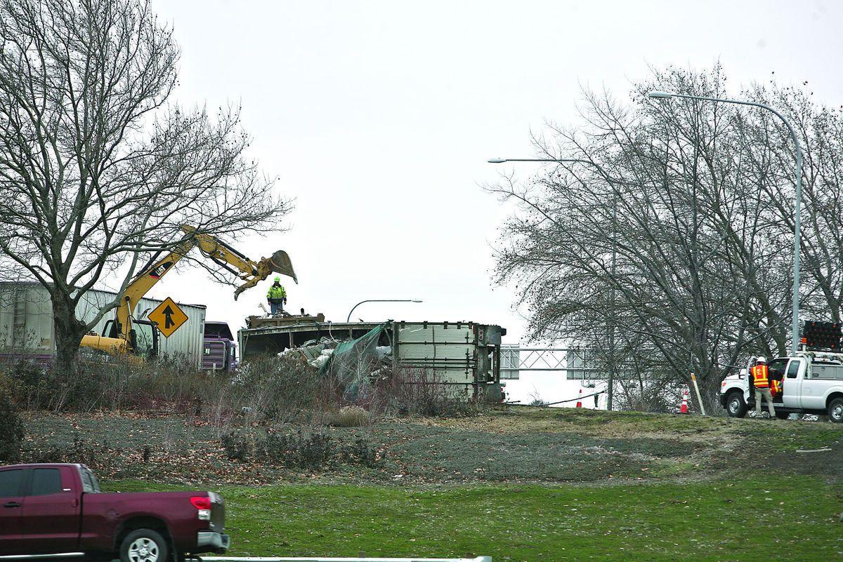 semi trailer crash