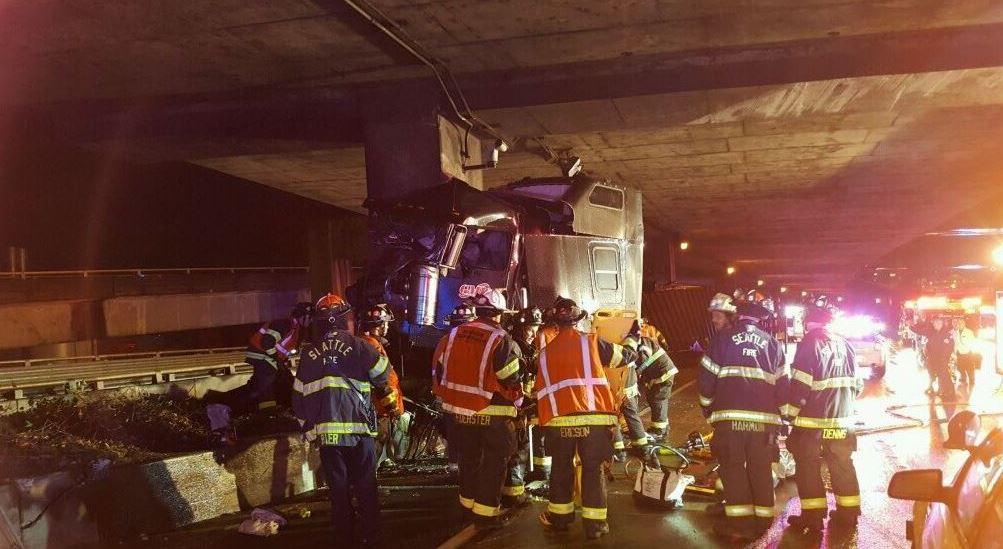 semi-truck rollover crash