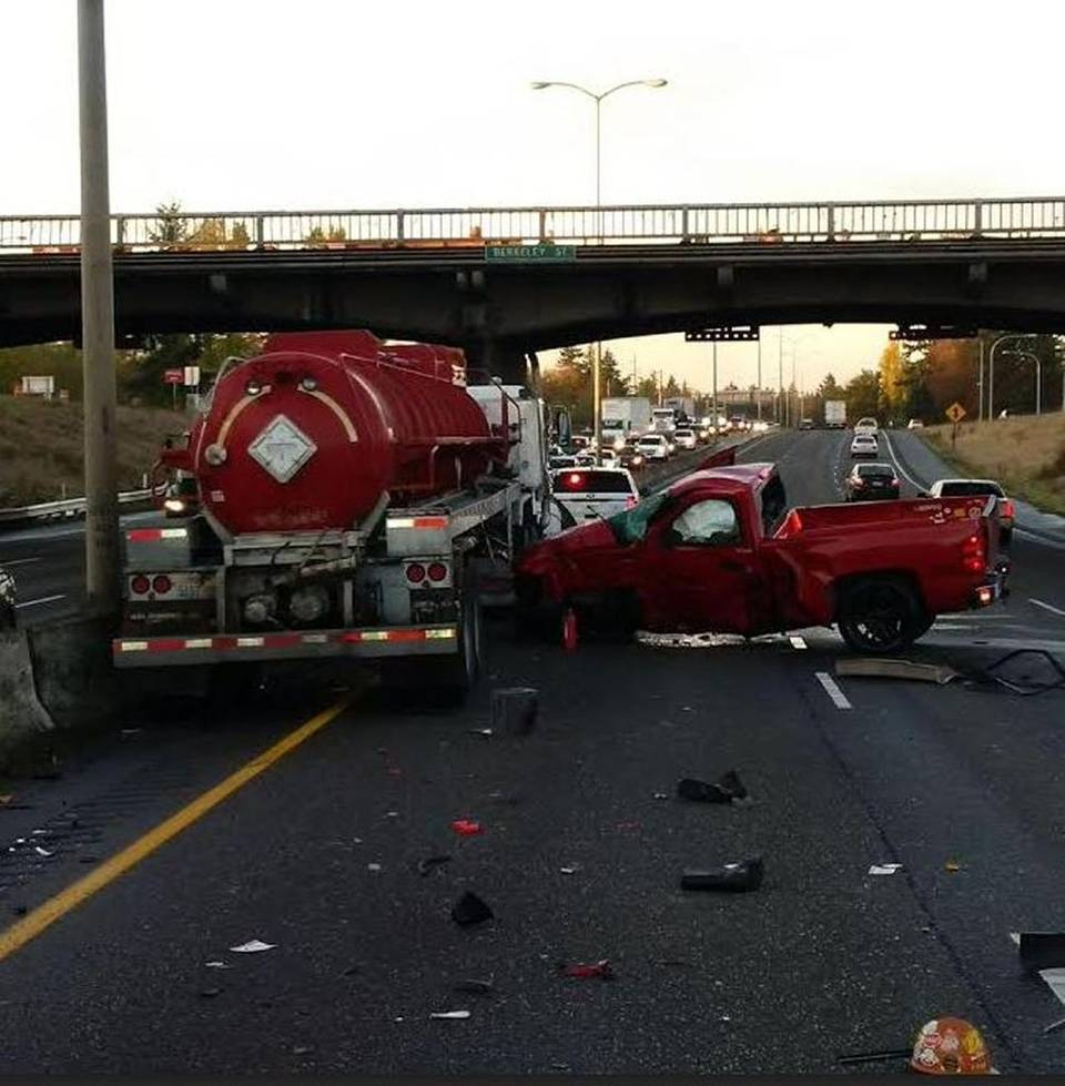 pickup truck fell off interstate 5