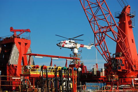 Oil rig | maritime injury New Orleans? Contact our maritime lawyers for help - 866-938-6113