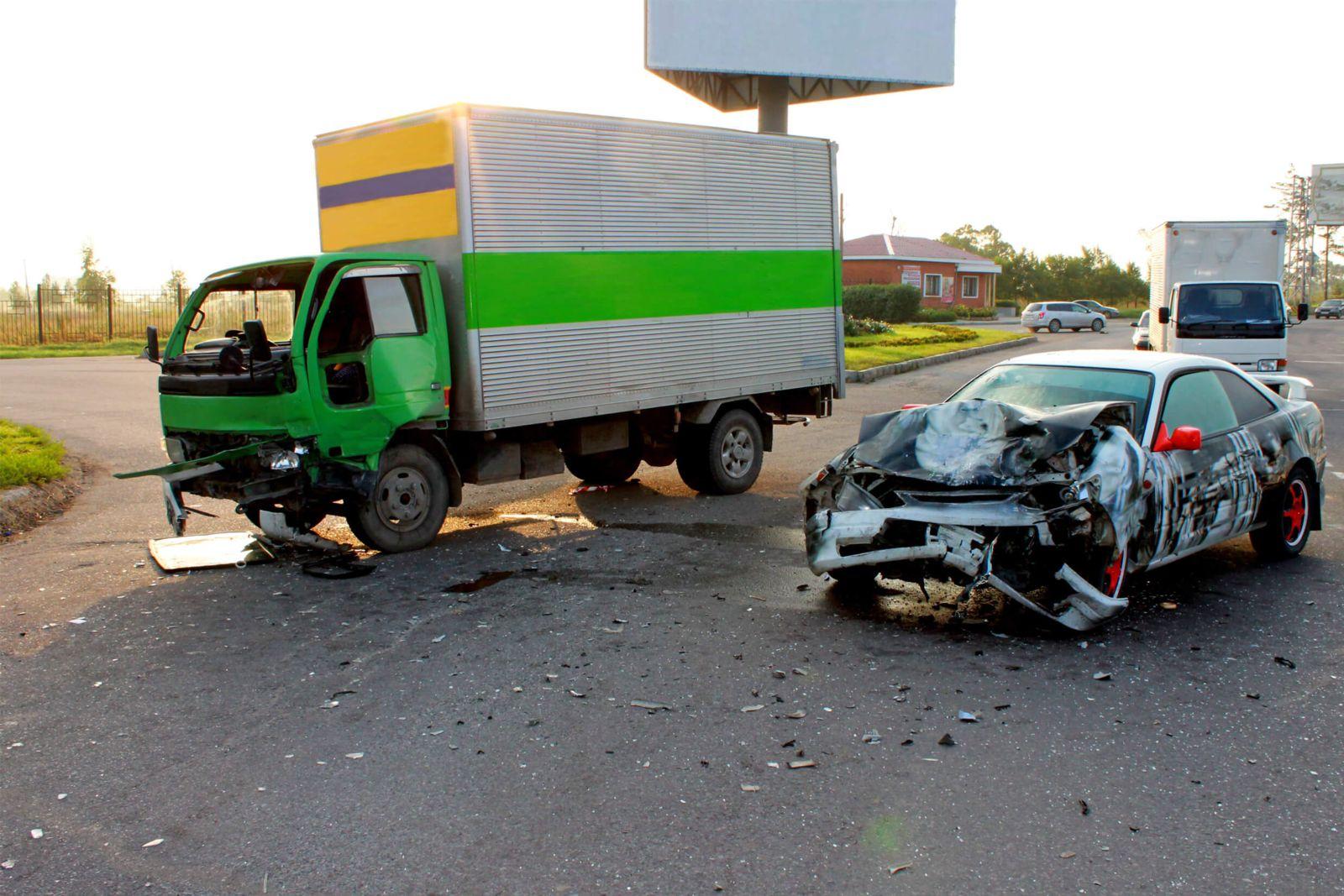 Car & Truck Wreck