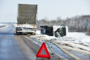 Reasons for trucking accidents