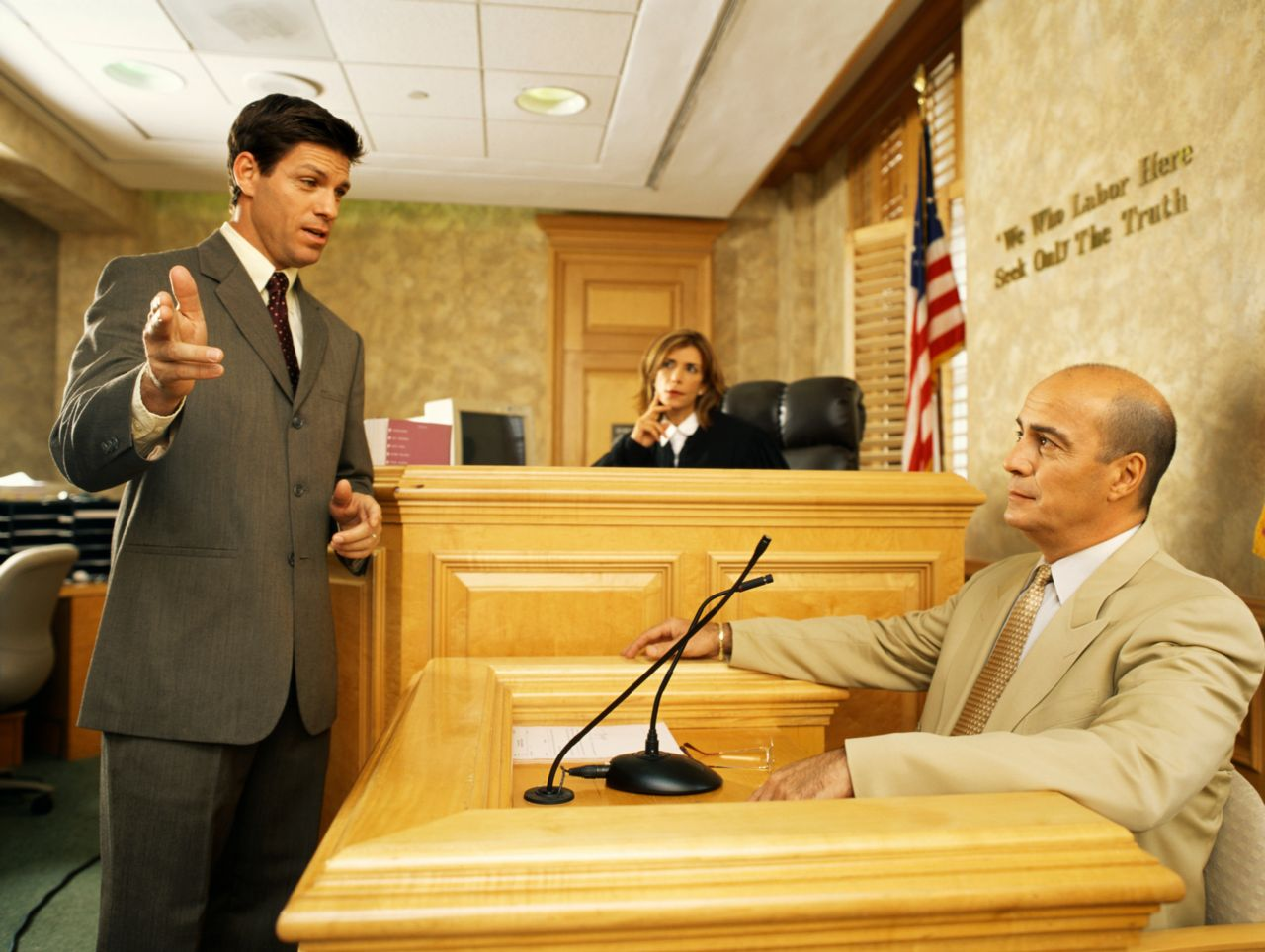 baltimore personal injury lawyer at witness stand