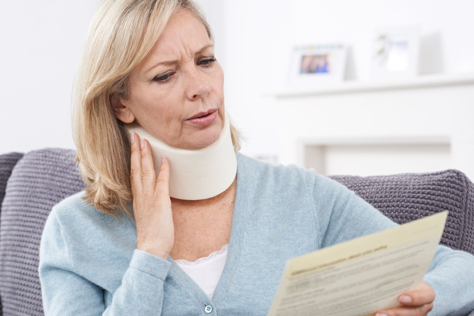 What is the average settlement payout for a whiplash injury.