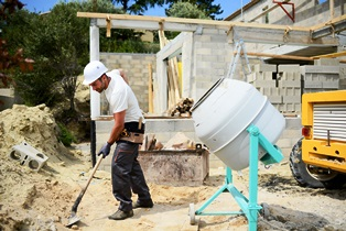 construction_worker_outside