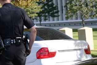 police_at_car