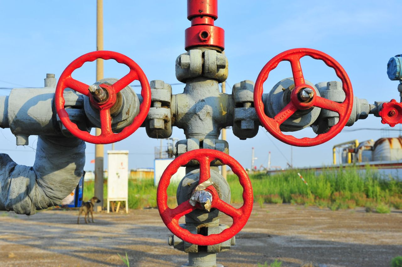 gas valves and pipeline