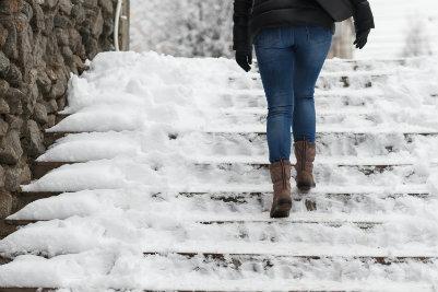 Avoid falling in winter weather