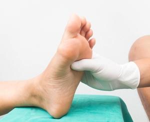 Examining a foot for neuropathy
