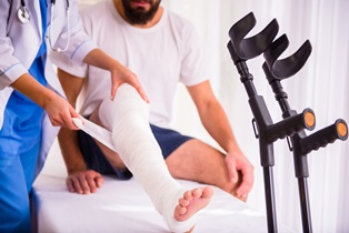 Broken Bones Are a Common Injury After a Car Wreck