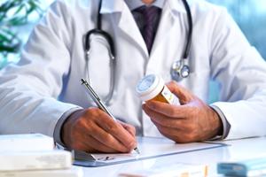 doctor prescribing xarelto
