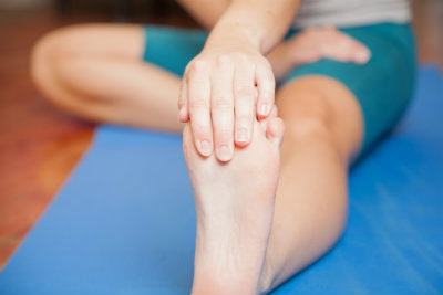 Plantar fascia stretches can help ease tightness and pain in the heels.