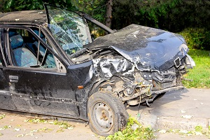 Contact a vehicle injury lawyer immediately if a head-on crash led to severe or fatal injuries