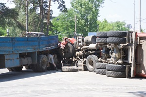 You may file a truck crash injury claim if you have been hurt in a jackknife accident