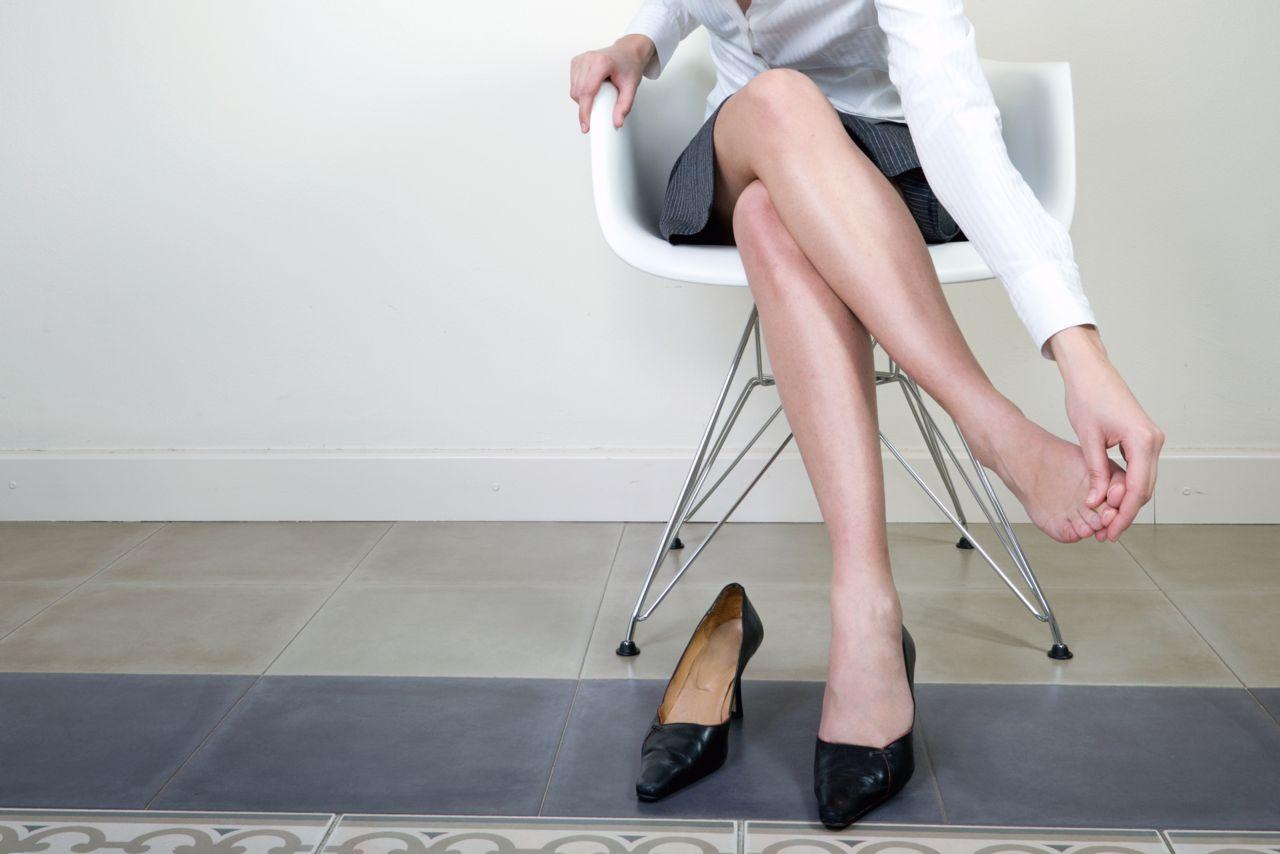 Shoe pain that causes black toenails