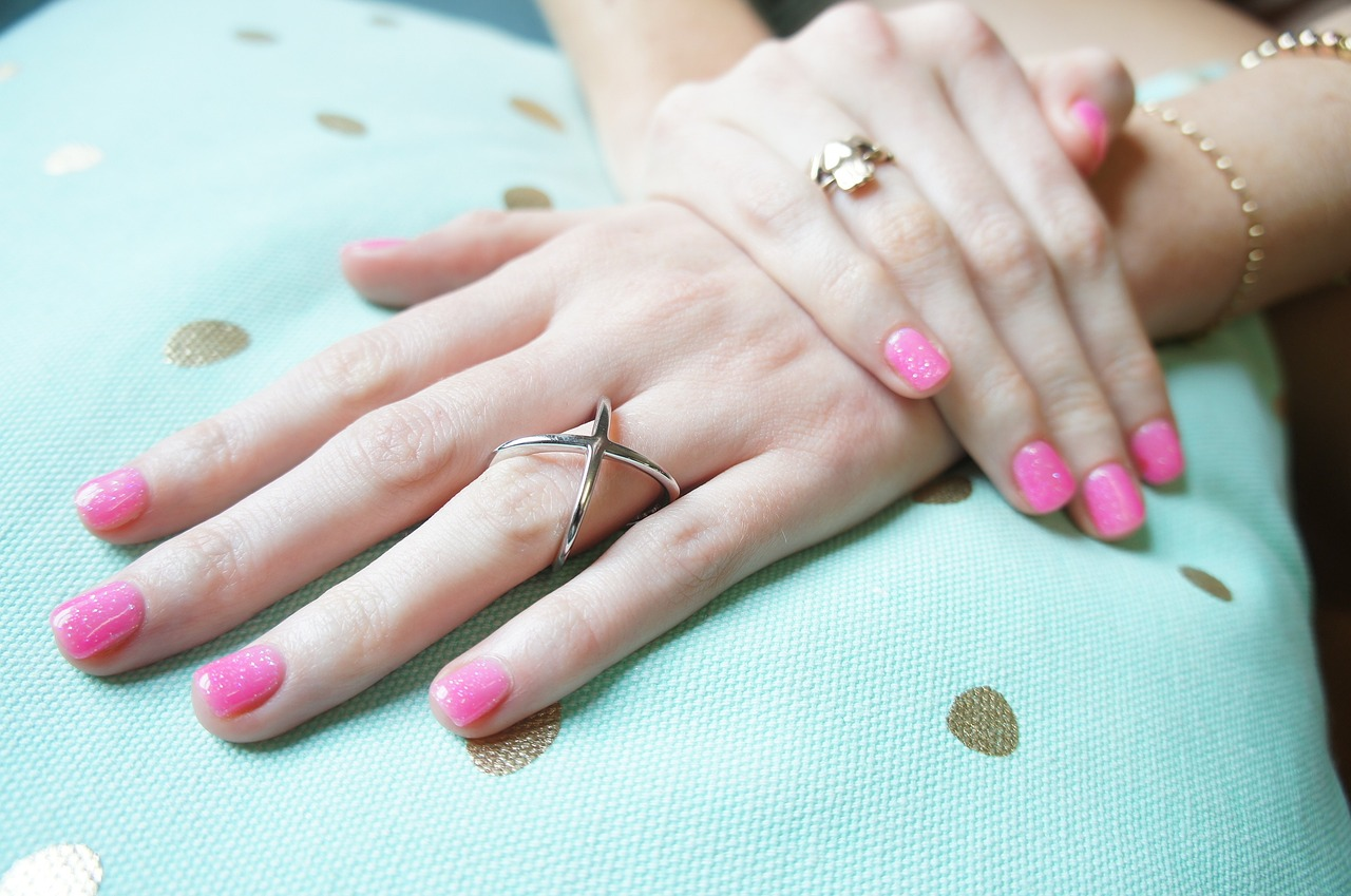 Holiday Nails: Make the Most of Your Mani-Pedi This Season | Sol ...