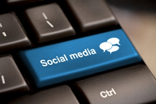 Social Media button on a computer keyboard