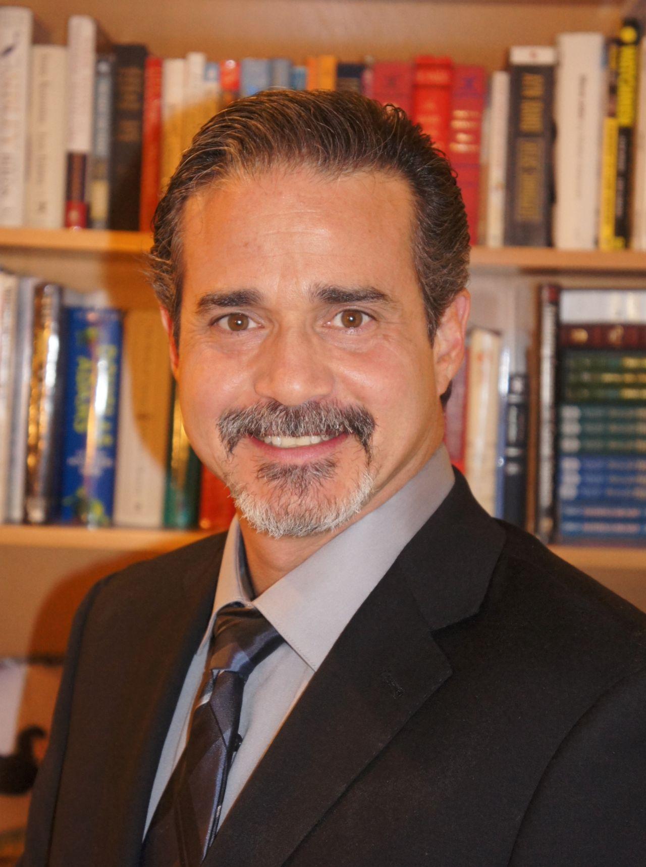 Dr. Noah Levine