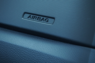 dashboard with the word airbag on it